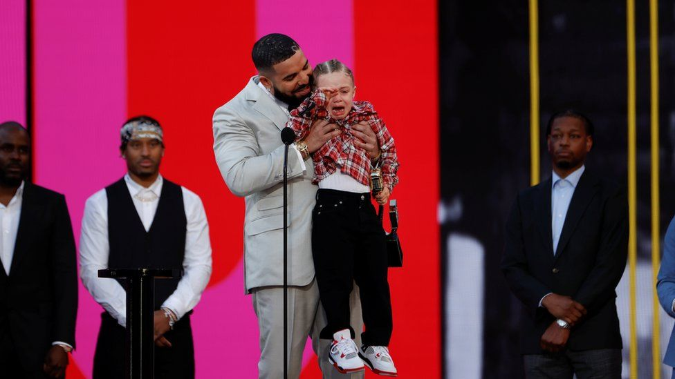 Billboard Music Awards: Drake's son joins him to accept artist of the decade